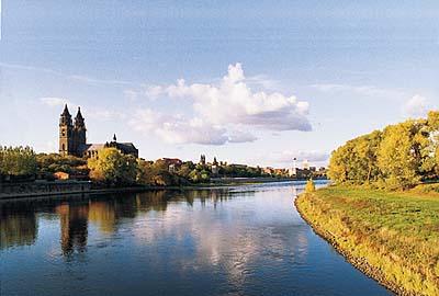 An der Elbe in Magdeburg